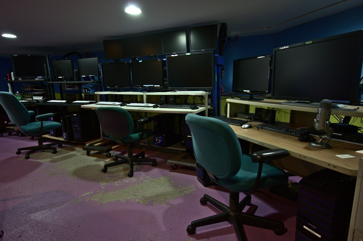 The control room at the Biocybernaut Institute
